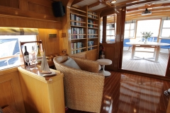 Library-and-aft-deck