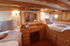 Twin-cabin-1